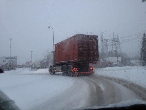 Lastbil på väg till uppkörningen